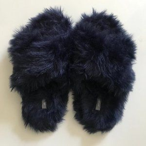 Aerie Fuzzy Crisscross Comfy Slippers